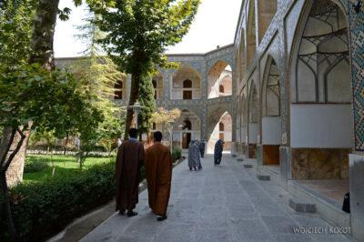 Irns148-Isfahan-w Medresie