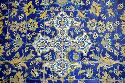 Irns165-Isfahan-w Medresie