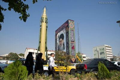 Irnx054-Teheran-pokaz siły