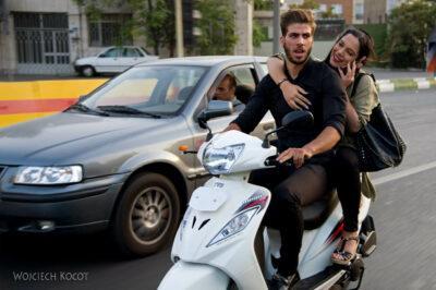 Irnx159-Teheran-na ulicach miasta