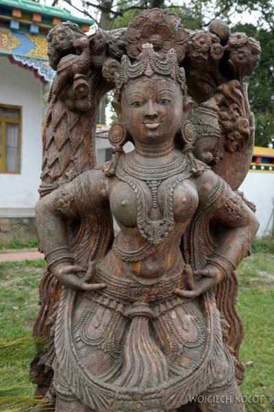 F004-Bir - Biała Świątynia