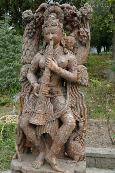 F022-Bir - Biała Świątynia
