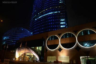 Do280-Doha-Dzielnica wysokosciowców nocą