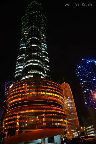 Do286-Doha-Dzielnica wysokosciowców nocą