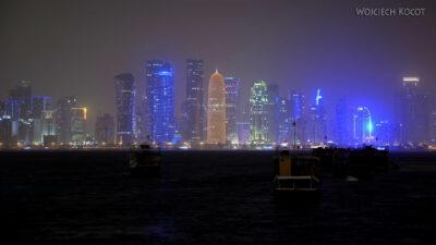 Do315-Doha-Dzielnica wysokosciowców nocą