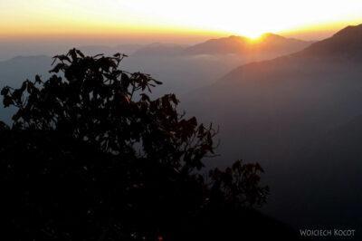 Poh105-Treking naMardi Himal