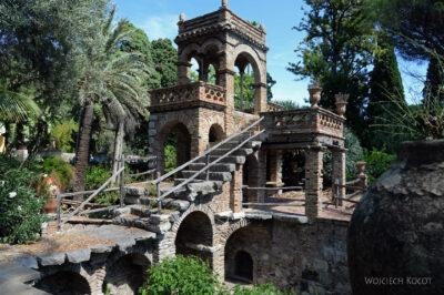 Syb090-Taormina-w Comunale Garden