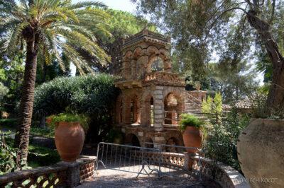 Syb091-Taormina-w Comunale Garden