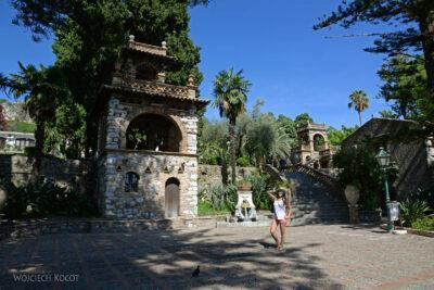 Syb102-Taormina-w Comunale Garden