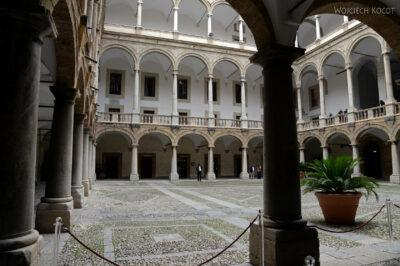 Syi019-Palermo-Palazzo dei Normanni-na diedzińcu