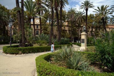 Syi102-Palermo-Park przy pałacu