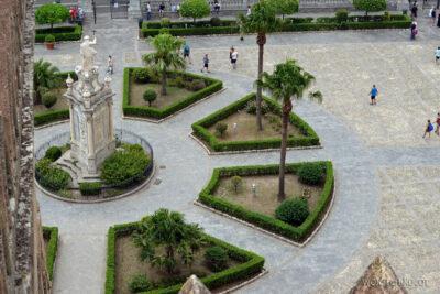 Syi128-Palermo-Katedra-dziedziniec