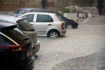 Syk016-Trapani-potop naulicach
