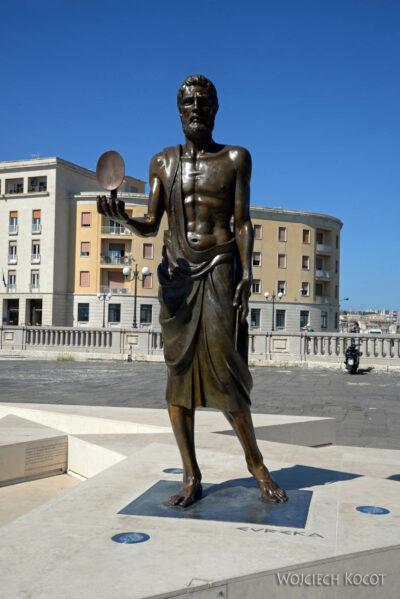 Syn180-Syrakuzy-Pomnik Archimedesa