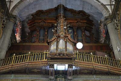 b096-W Antigua Basilica
