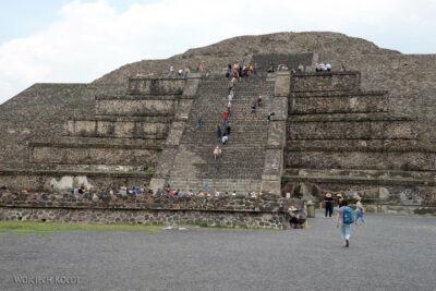 b189-TeotihuacanPiramide de Luna iokolica