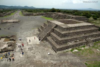 b197-TeotihuacanPiramide de Luna iokolica