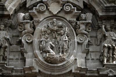 c640-Biblioteka wdawnym kościele
