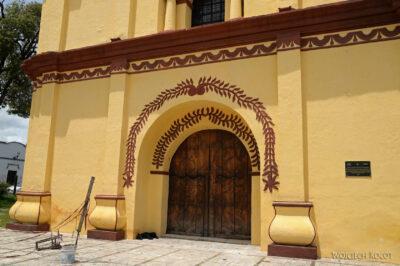 d110-San Cristobalżółty kosciół