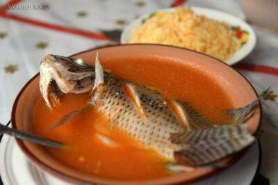e093-Zupa rybna natargu