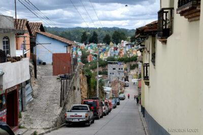 h058-Chichicastenango-droga nacmentarz