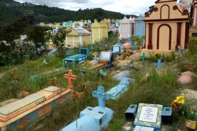 h066-Chichicastenango-na cmentarzu