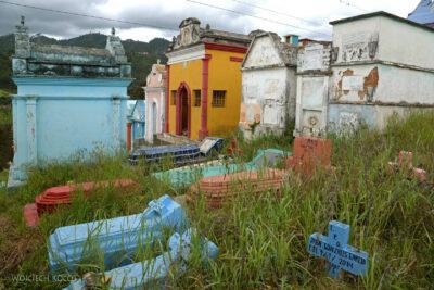 h072-Chichicastenango-na cmentarzu