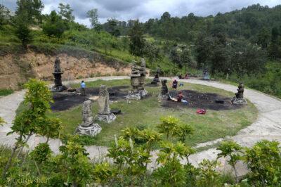 h083-Chichicastenango-obrzędy przy cmentarzu