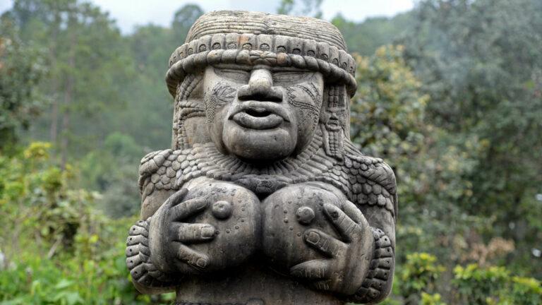 h093-Chichicastenango-obrzędy przy cmentarzu