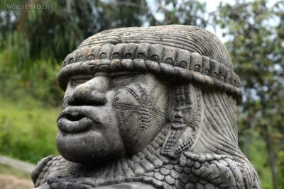 h095-Chichicastenango-obrzędy przy cmentarzu