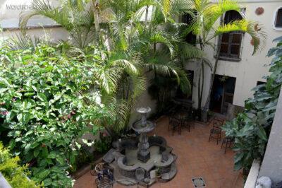 h128-Nasz hotel jak muzeum