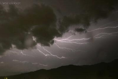 h180-Antigua-burza widziana znaszego dachu