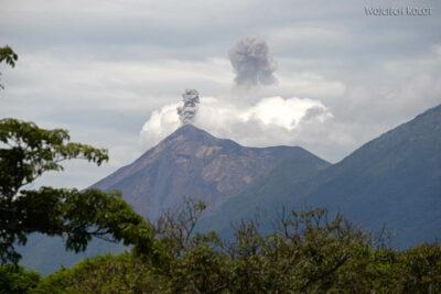i008-Antigua-widok nawulkan Fuego