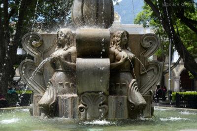 i012-Antigua-fontanna naRynku