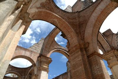 i037-Antigua-w ruinach katedry