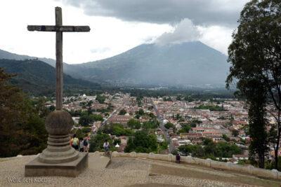 i152-Antigua-widok nawulkan Agua