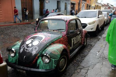 i212-Antigua-na ulicach