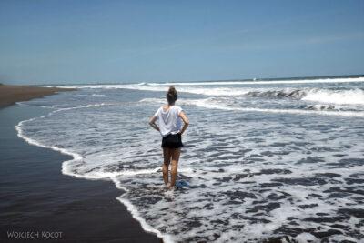 k025-Na plaży Pacyfiku