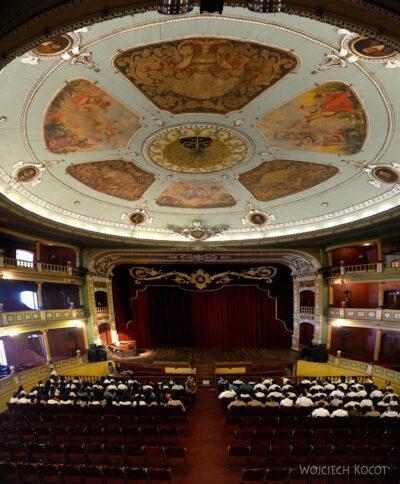 m013-Santa Ana-w teatrze