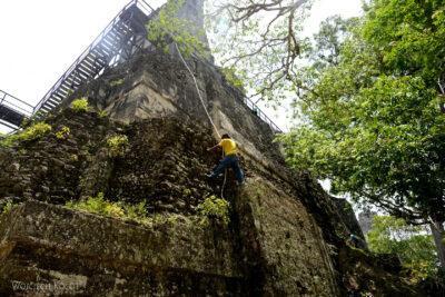 r112-Tikal-Templo II