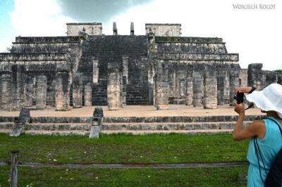 w076-Chichen Itza-Temple of Guerreos