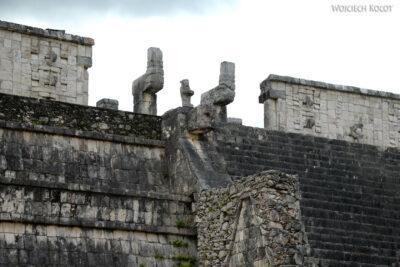 w080-Chichen Itza-Temple of Guerreos