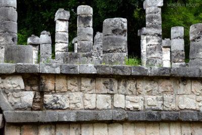 w092-Chichen Itza-Columnata Norte