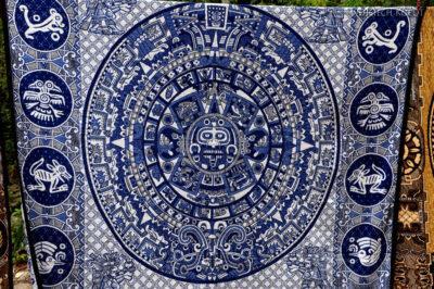 w111-Chichen Itza-kram zpamiątkami