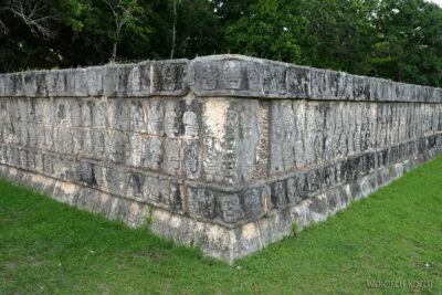 w139-Chichen Itza-Platforma de Craneos