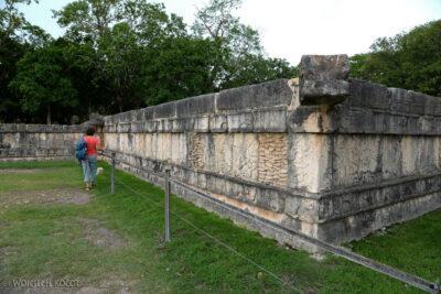 w150-Chichen Itza-Platforma de Craneos