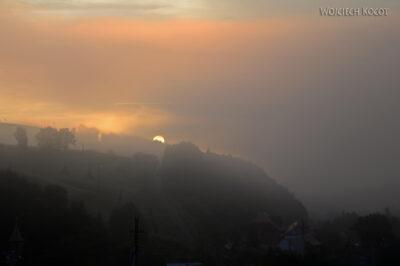 Uk502-Wschód słońca - widok zokna