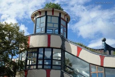 ASwa010-McDonald wgprojektu Hundertwassera napołudnie odWiednia