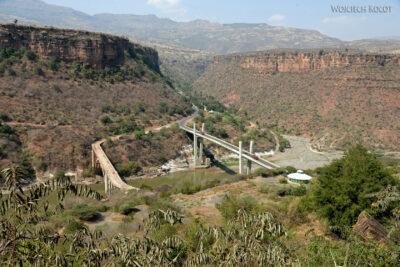 Et02119-Przy mostach naBlue Nile