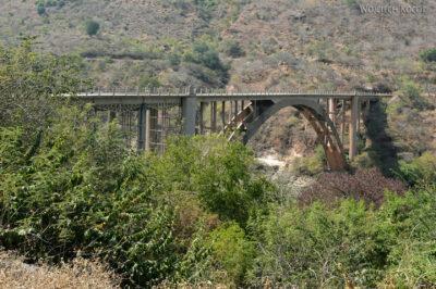 Et02126-Przy mostach naBlue Nile